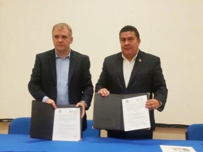 La UABCS, firma convenio con WaterClima LAC, en el Foro, Gestión y Conservación Integral del Acuífero de La Paz, Baja California Sur.