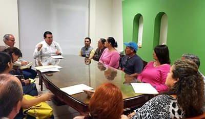 Alcalde recibe  a representantes del Mercado Orgánico