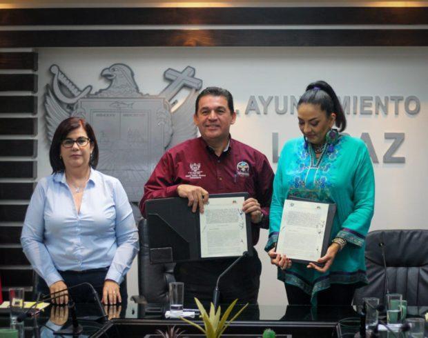 Firman convenio en pro de la transparencia