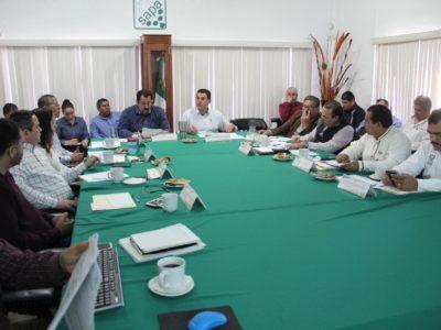 OOMSAPAS La Paz ordenará el sistema de venta de agua potable apipas particulares