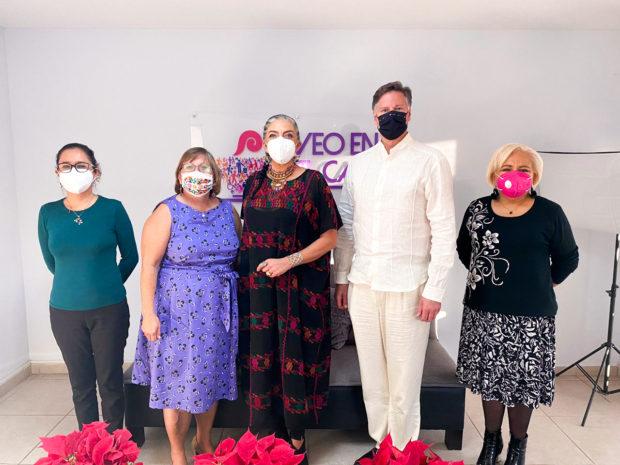 Embajador de Estados Unidos en México, Christopher Landau y la Cónsul General de Estados Unidos en Tijuana, Sue Saarnio visitaron las oficinas de Cómo Vamos La Paz, Observatorio Ciudadano.